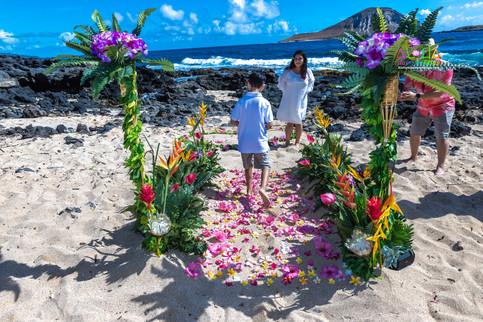 Vowrenewal-wedding-in-Hawaii-2-23.jpg