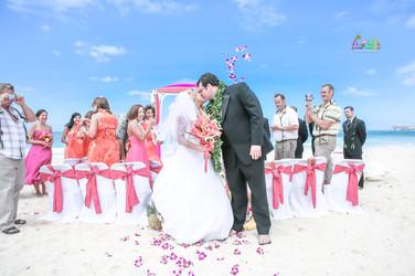H&T-waimanalo-beach-weddings-1-30.jpg