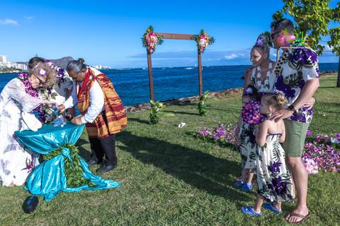 Vowrenewal-magicIsland-Hawaii-4-14.jpg