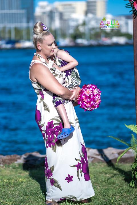 Vowrenewal-magicIsland-Hawaii-3-8.jpg