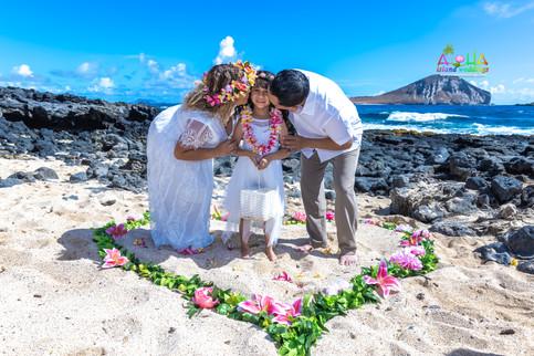Vowrenewal-wedding-in-Hawaii-2-29.jpg