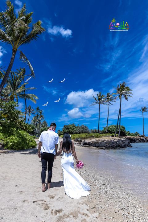 Wedding-Picture-at-Kahala-Beach-1A-317.jpg