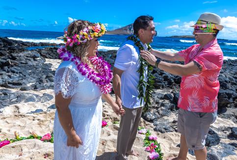 Vowrenewal-wedding-in-Hawaii-2-58.jpg