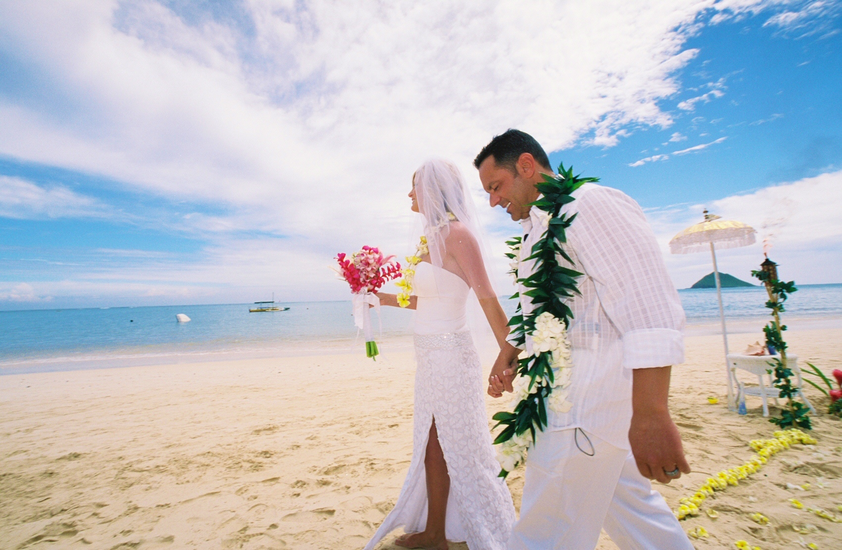 Alohaislandweddings- Lanikai wedding Picture -2