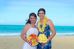 Hawaii beach wedding - lotus car 7