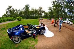 alohaislandweddings- Lotus car -31