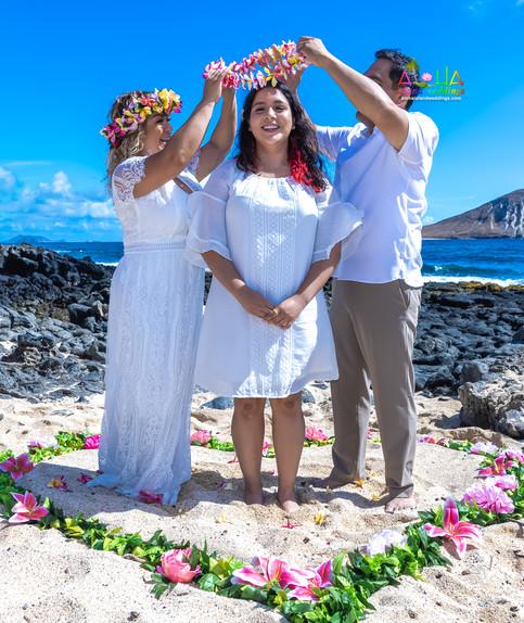 Vowrenewal-wedding-in-Hawaii-2-31.jpg