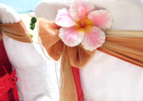 Hawaii beach wedding and affordable Hawaii vow beach renewal Weddings in Hawaii