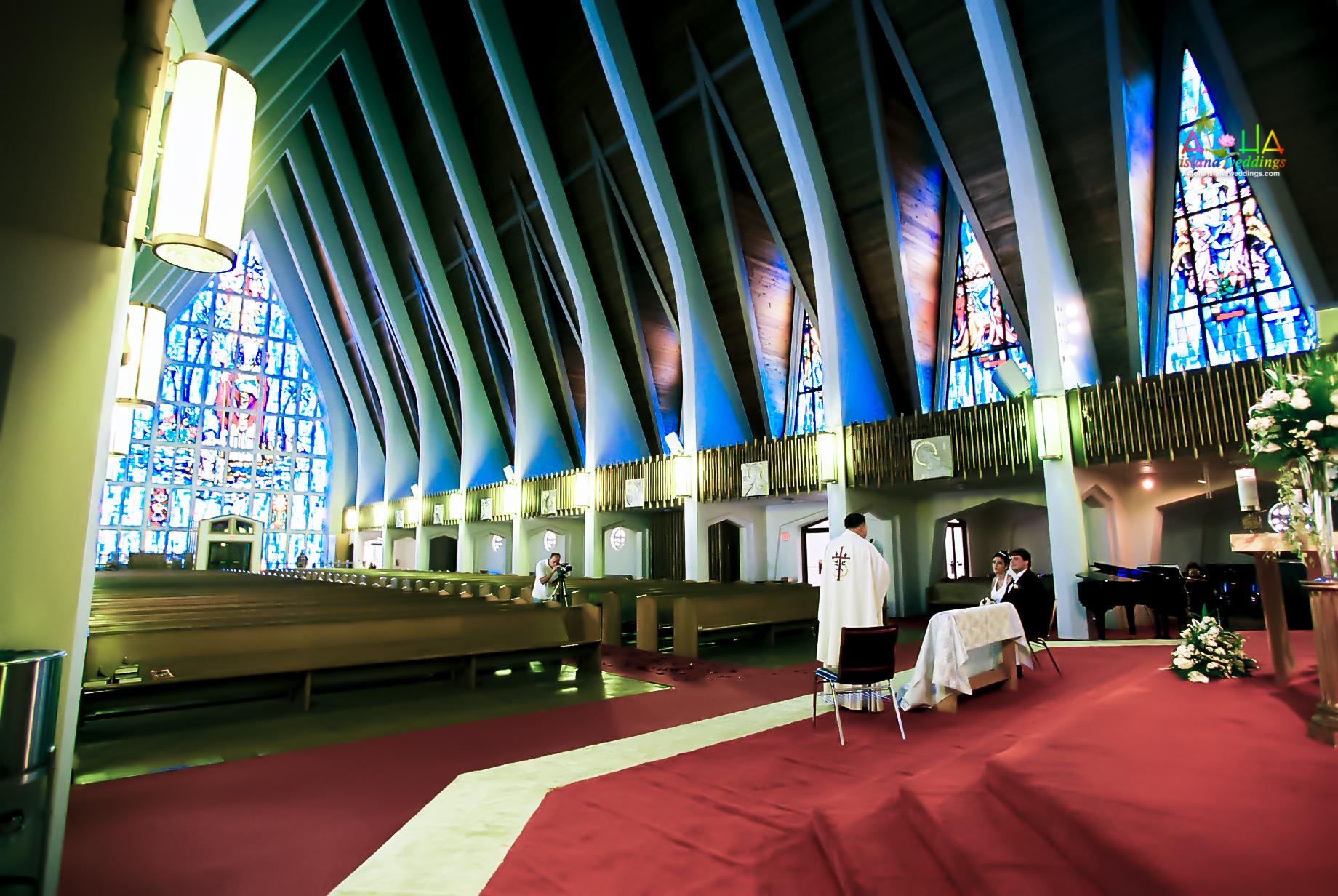 Hawaiian Church Wedding on Oahu-9