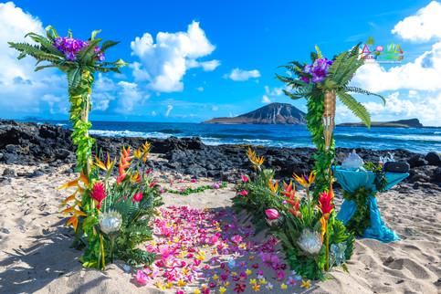 Vowrenewal-wedding-in-Hawaii-2-10.jpg
