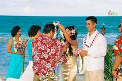Beach wedding in Kailua-55