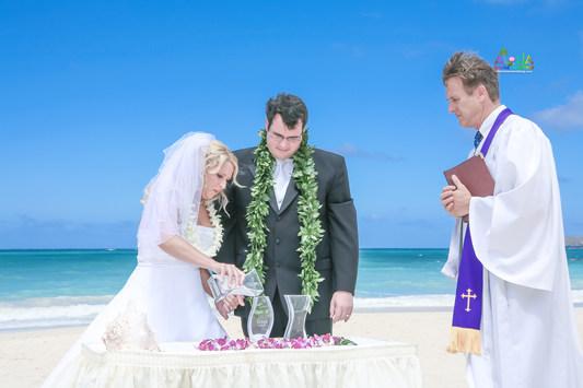 H&T-waimanalo-beach-weddings-2-3.jpg