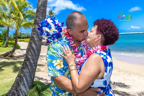 Kahala-resort-beach-in-Hawaii-2-145.jpg