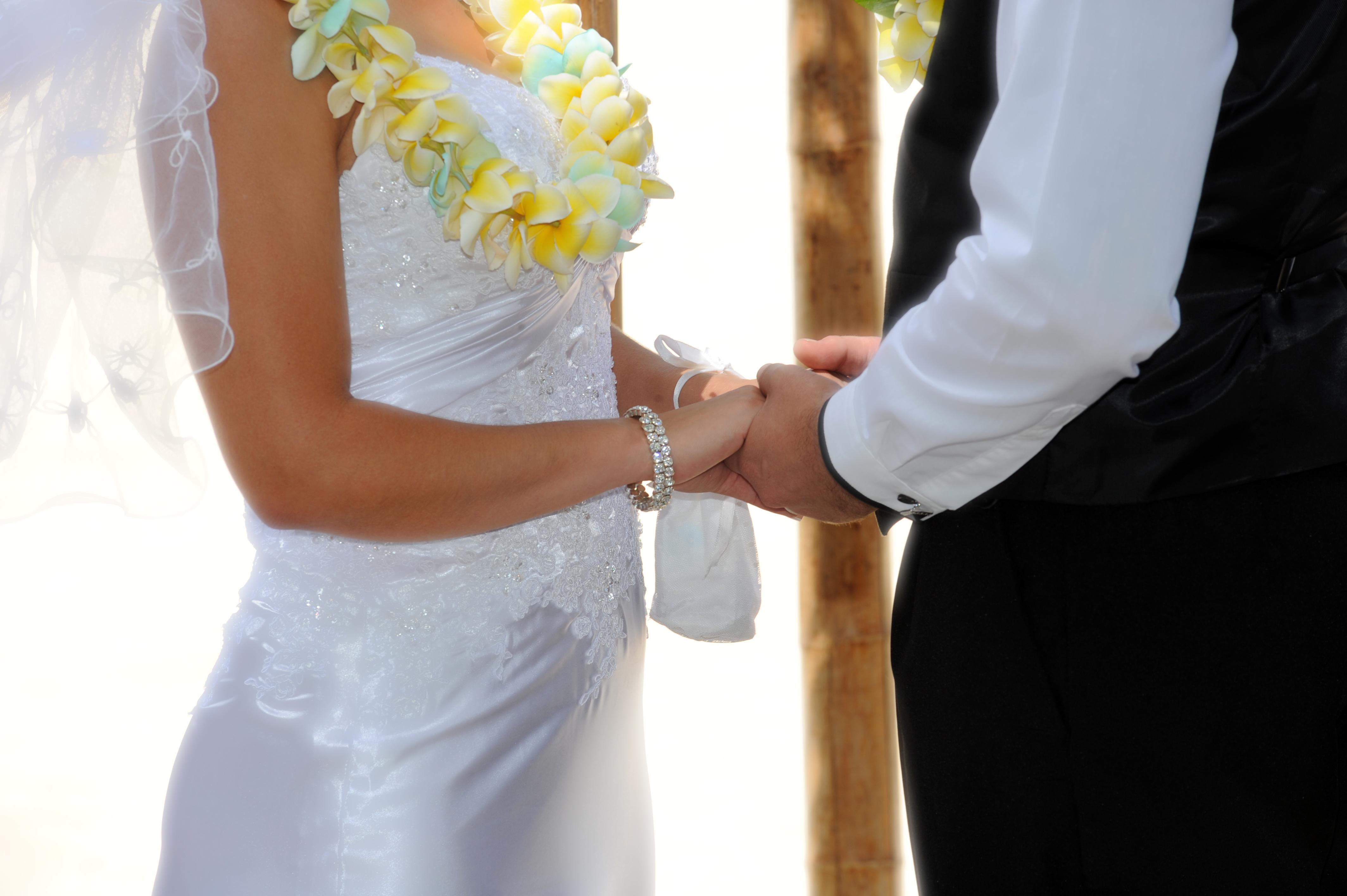 Alohaislandweddings.com- Hawaiian wedding in hawaii-105
