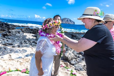 Vowrenewal-wedding-in-Hawaii-2-57.jpg