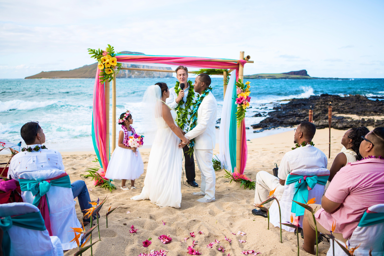 Alohaislandweddings.com- Ohana Oahu wedding-14