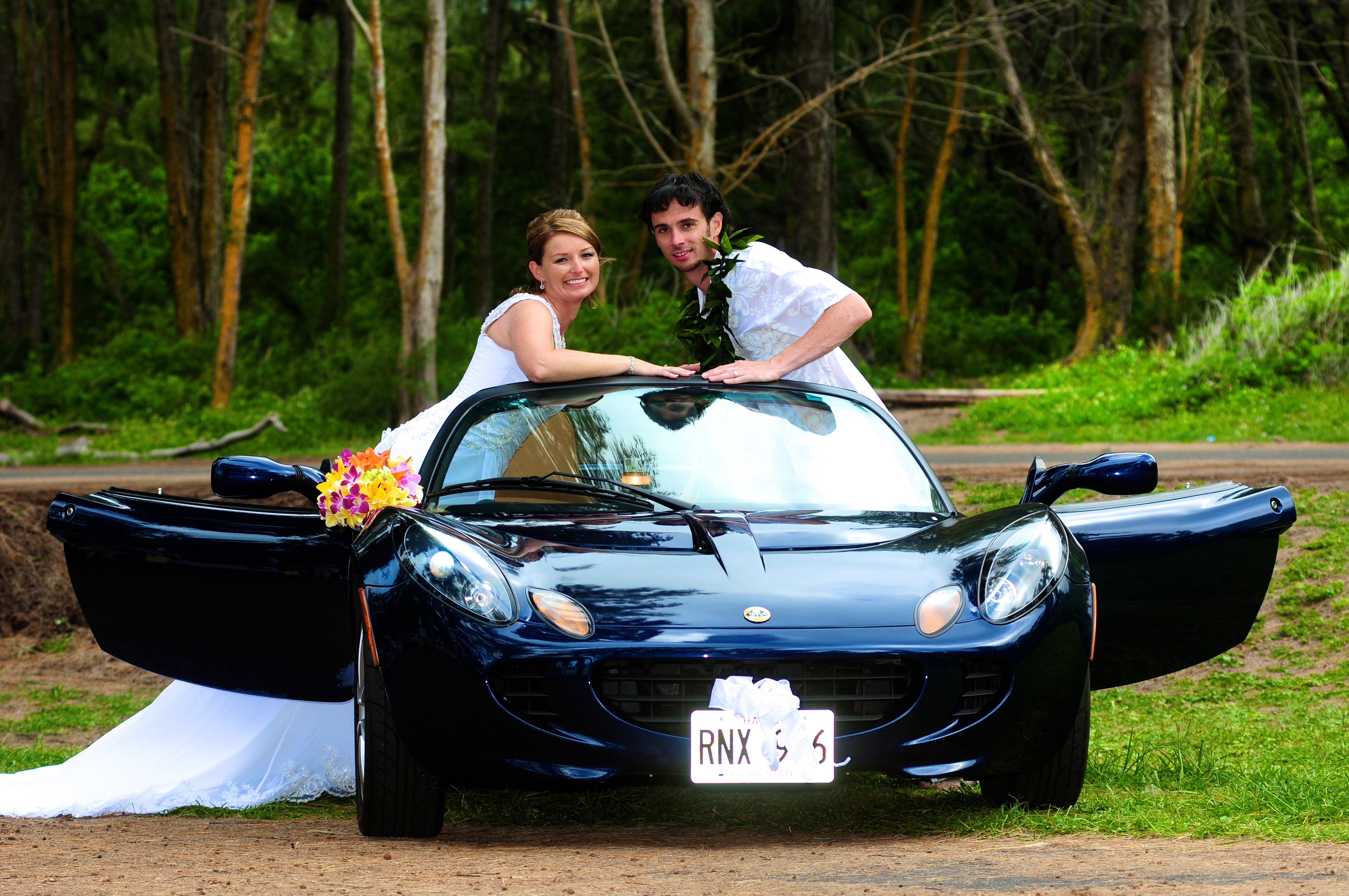 alohaislandweddings- Lotus car -29