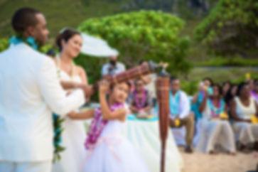 Alohaislandweddings.com- Ohana Oahu wedd