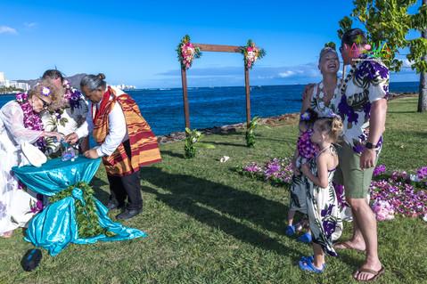 Vowrenewal-magicIsland-Hawaii-4-13.jpg