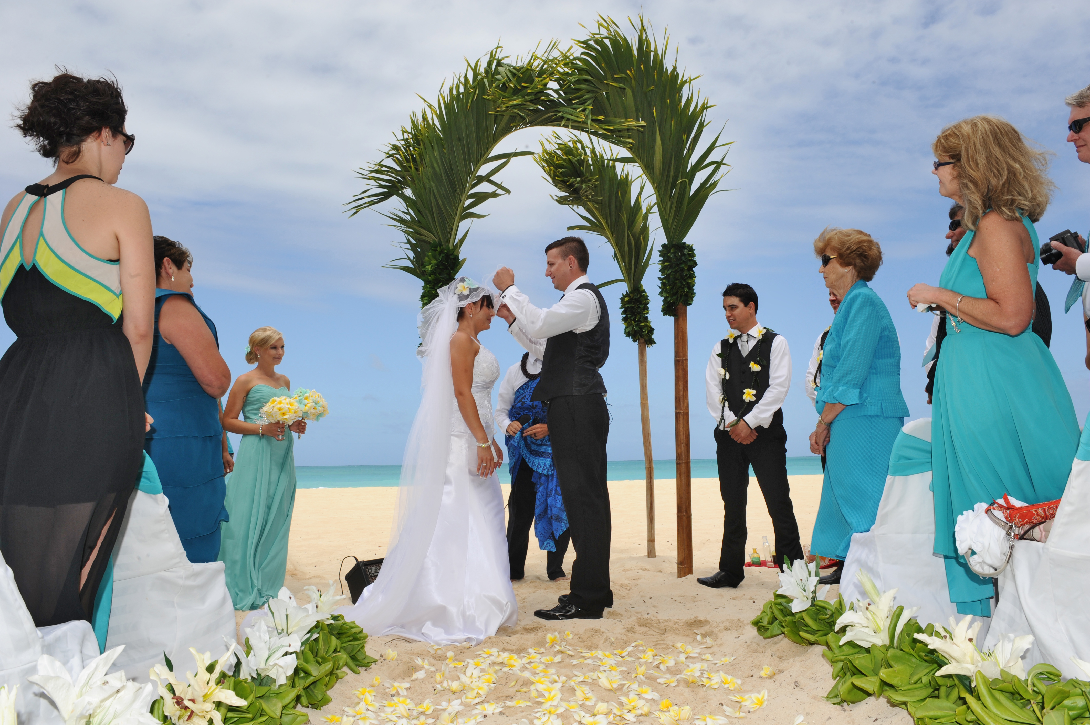 Alohaislandweddings.com- Hawaiian wedding in hawaii-64