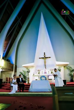 Hawaiian Church Wedding on Oahu-18