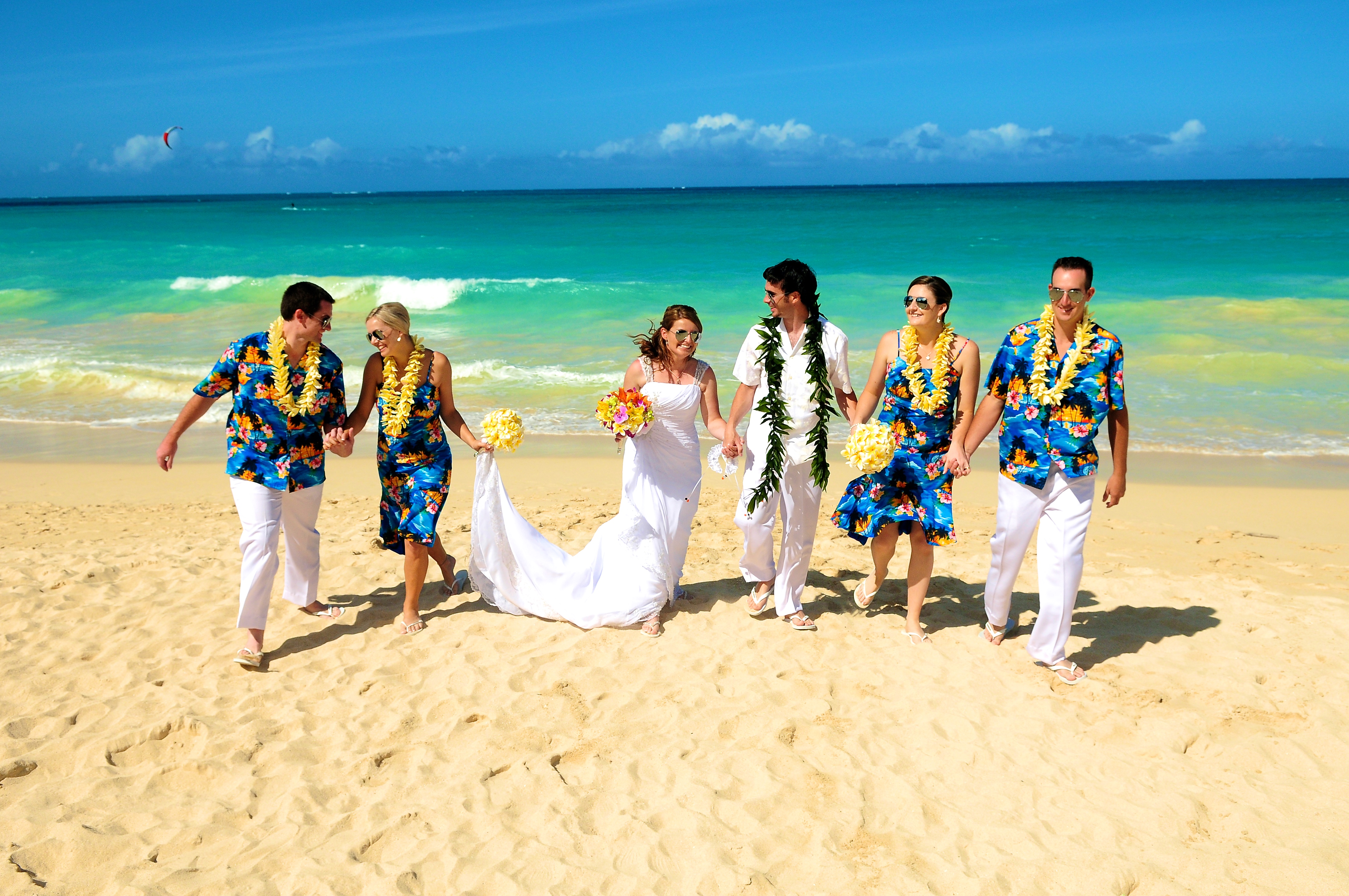Hawaii beach wedding - lotus car 14