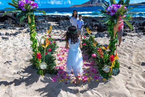 Vowrenewal-wedding-in-Hawaii-2-24.jpg