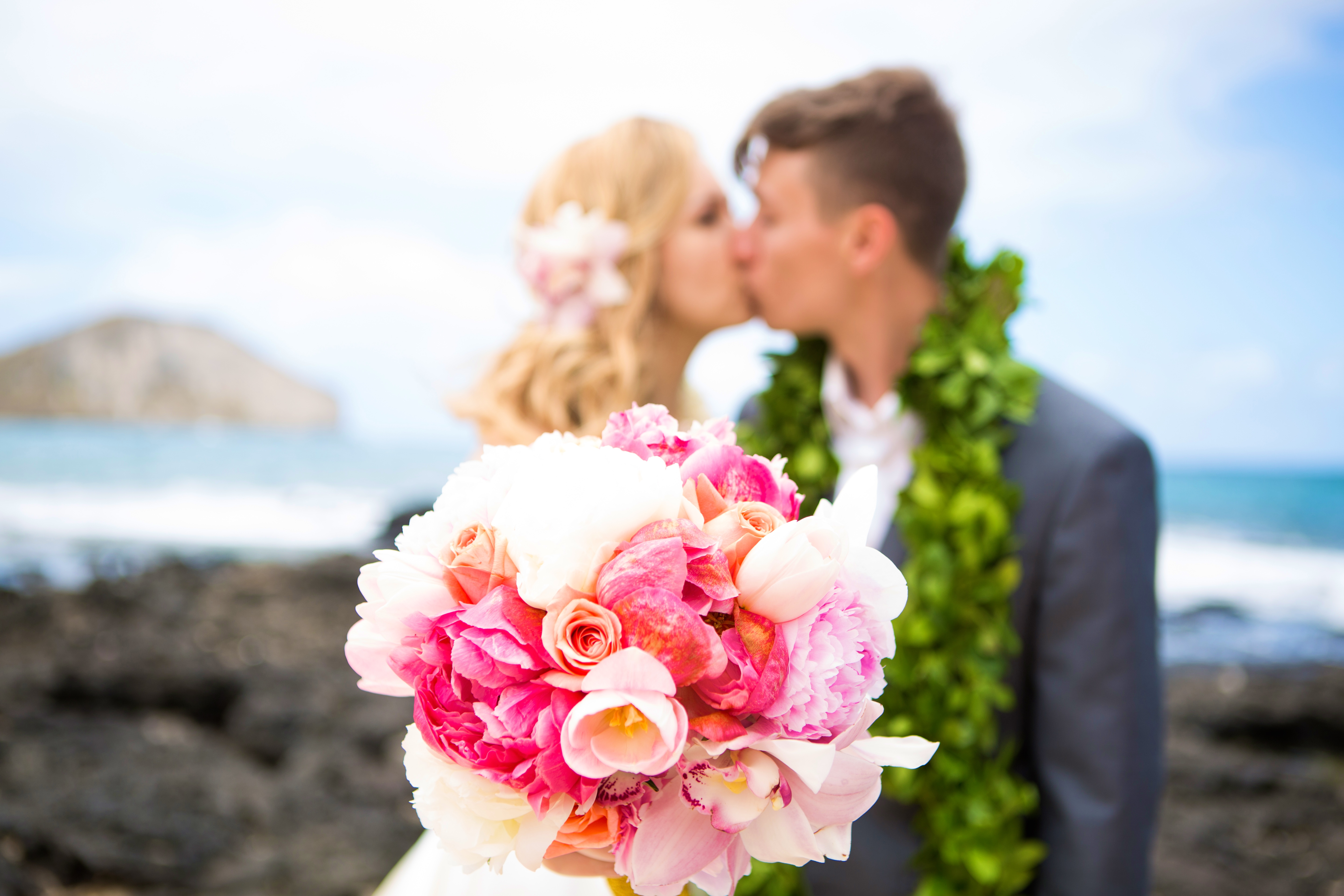 Hawaiian Wedding Pictre Romance -9