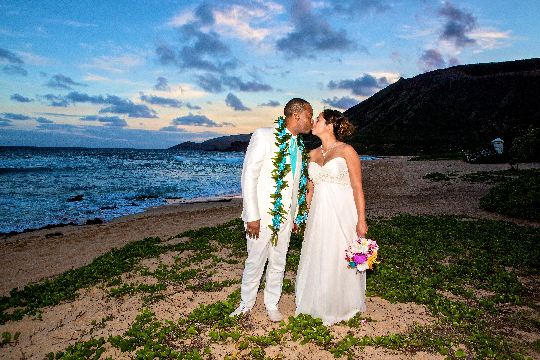 Alohaislandweddings.com- Ohana Oahu wedding-55