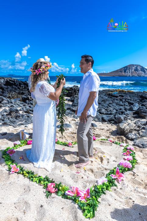 Vowrenewal-wedding-in-Hawaii-2-34.jpg