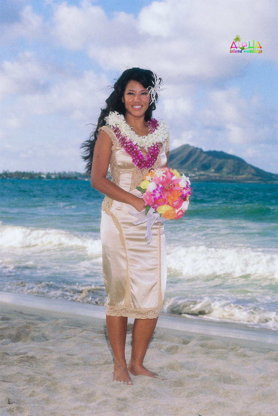Beach wedding in Kailua-70
