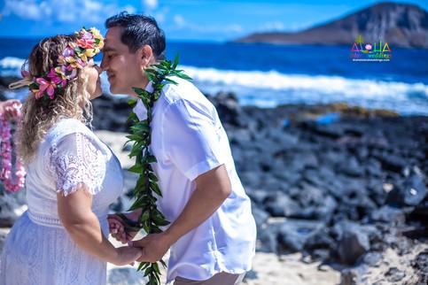 Vowrenewal-wedding-in-Hawaii-1-35.jpg