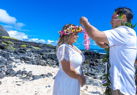 Vowrenewal-wedding-in-Hawaii-2-35.jpg