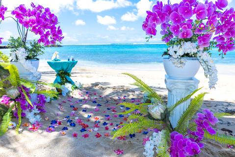 Kahala-resort-beach-in-Hawaii-2-6.jpg
