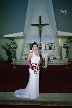 Hawaiian Church Wedding on Oahu-34