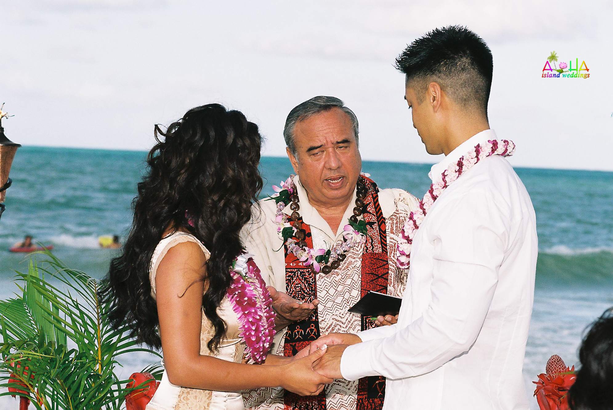 Beach wedding in Kailua-39