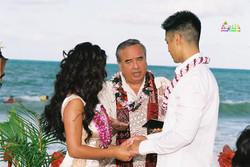 Beach wedding in Kailua-39