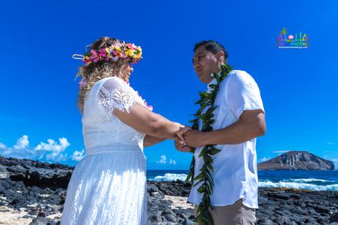 Vowrenewal-wedding-in-Hawaii-2-41.jpg