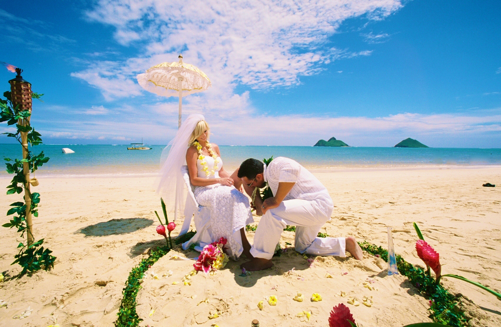 Alohaislandweddings- Lanikai wedding Picture -17