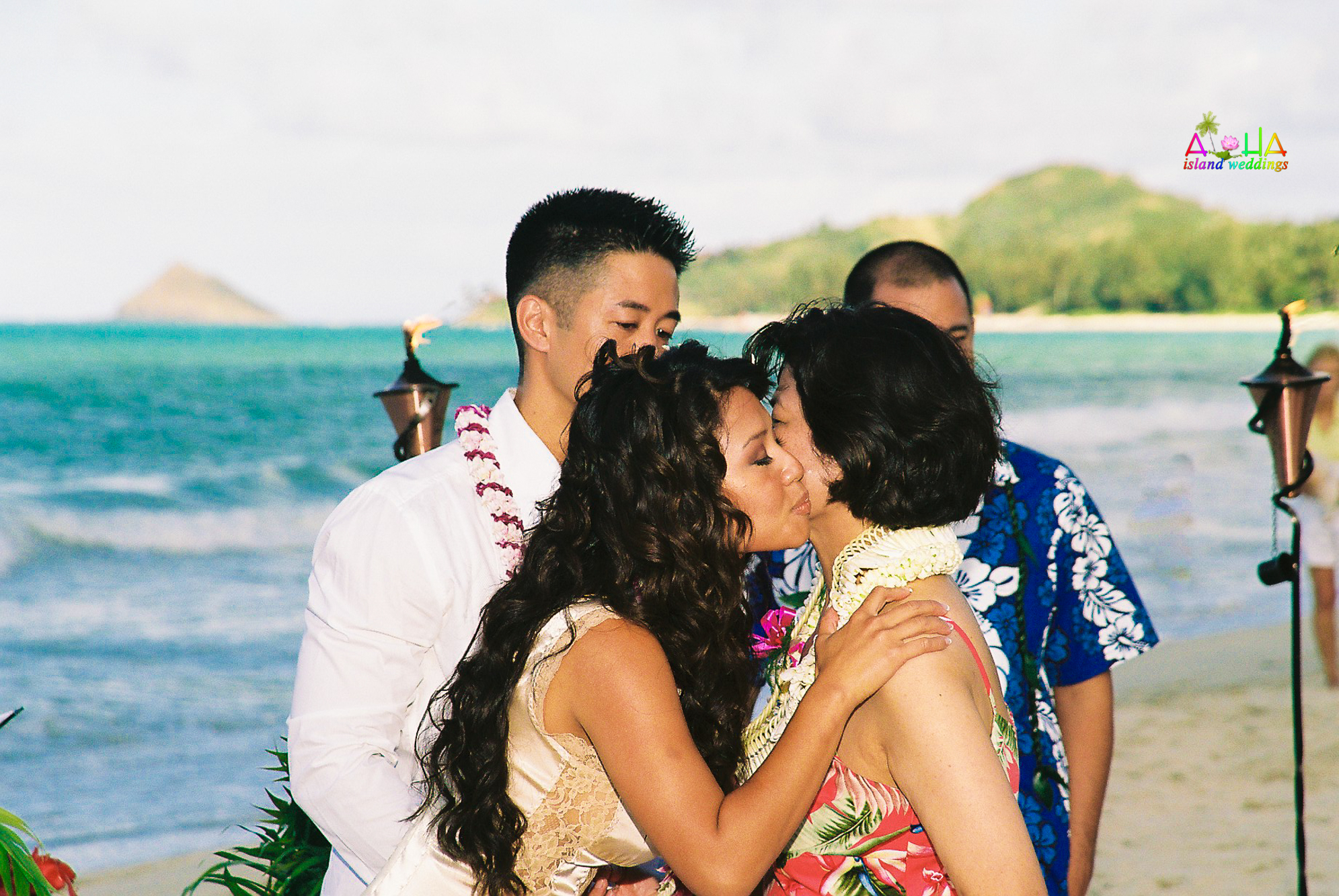 Beach wedding in Kailua-52