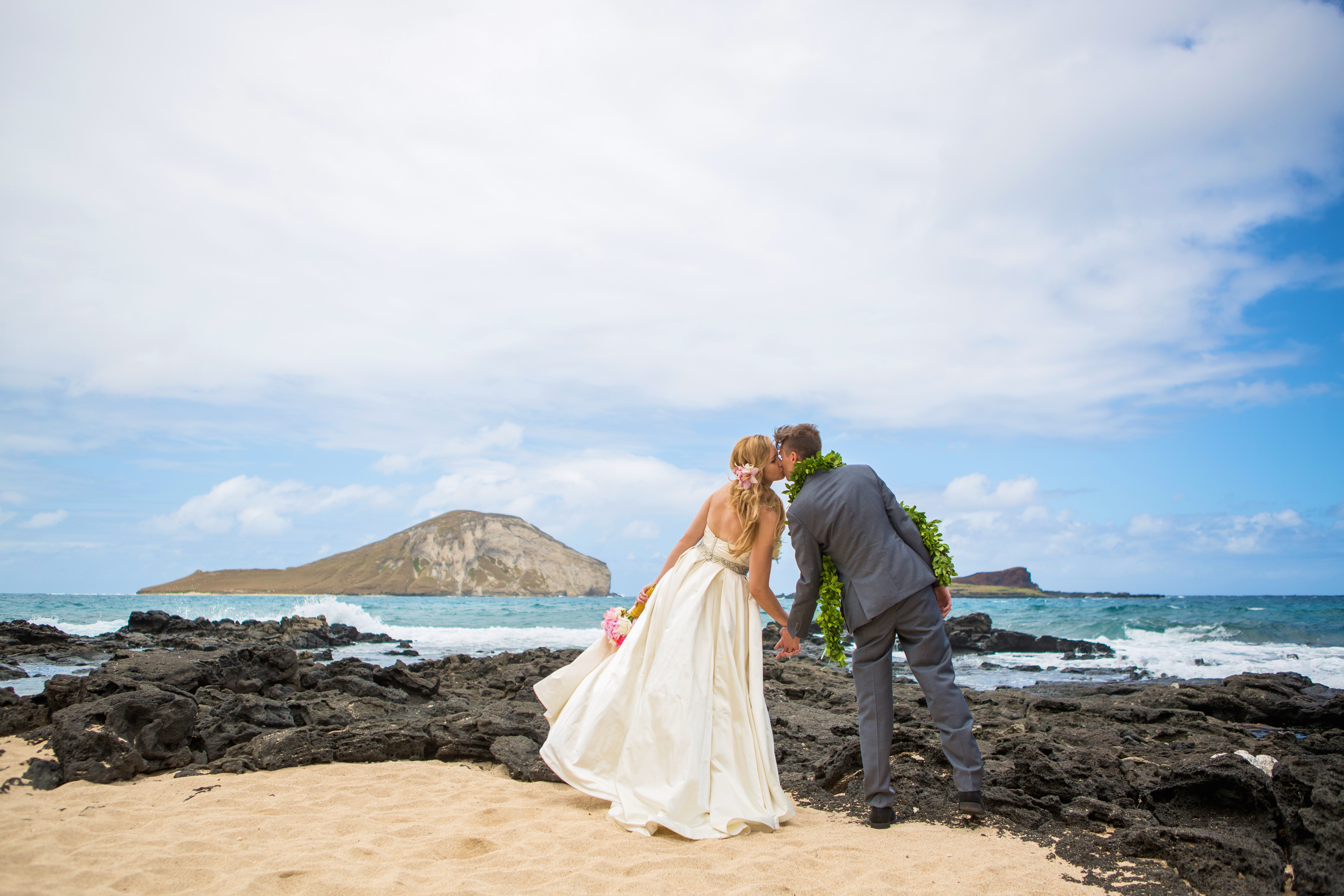Hawaiian Wedding Pictre Romance -11