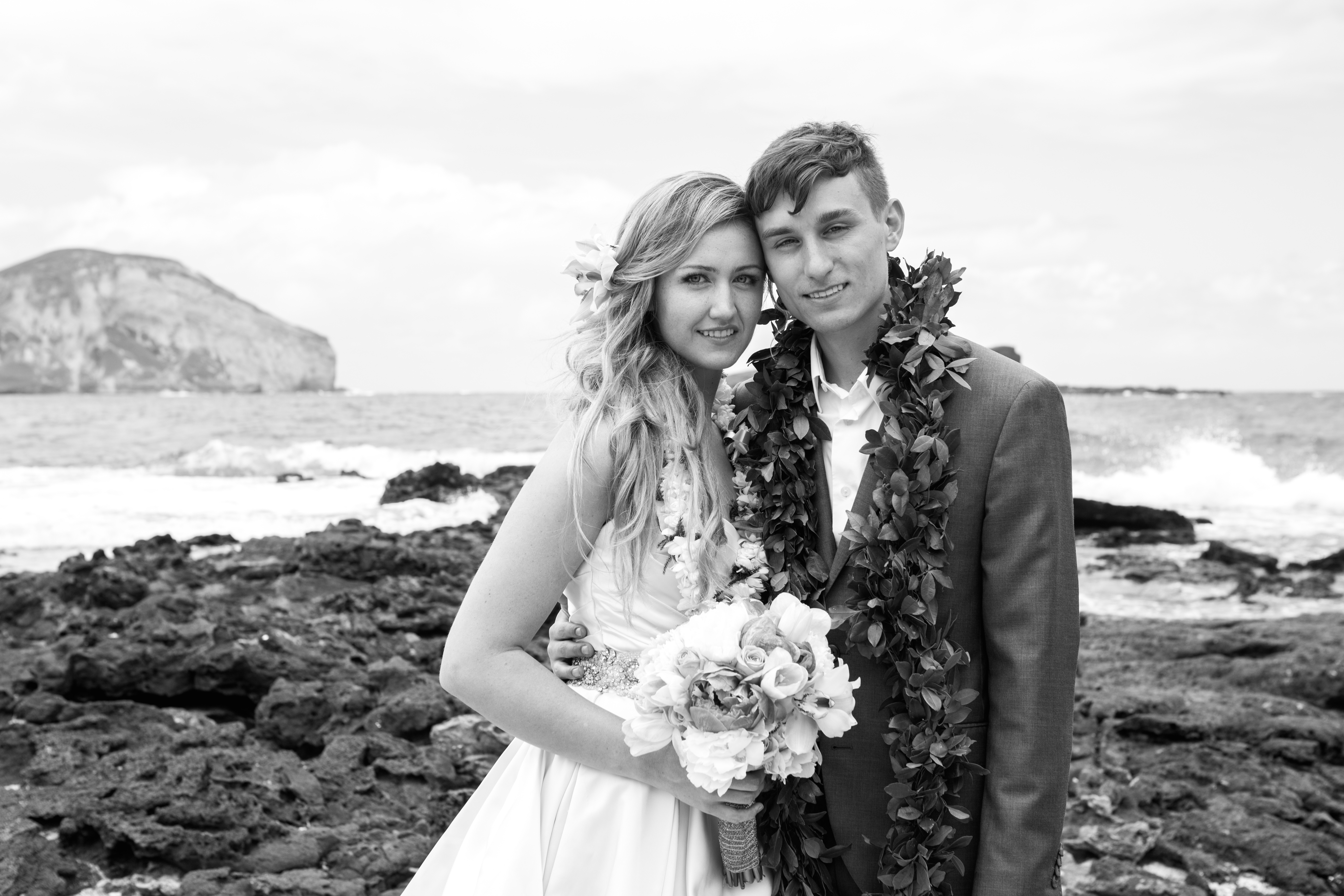 Hawaiian Wedding Pictre Romance -3