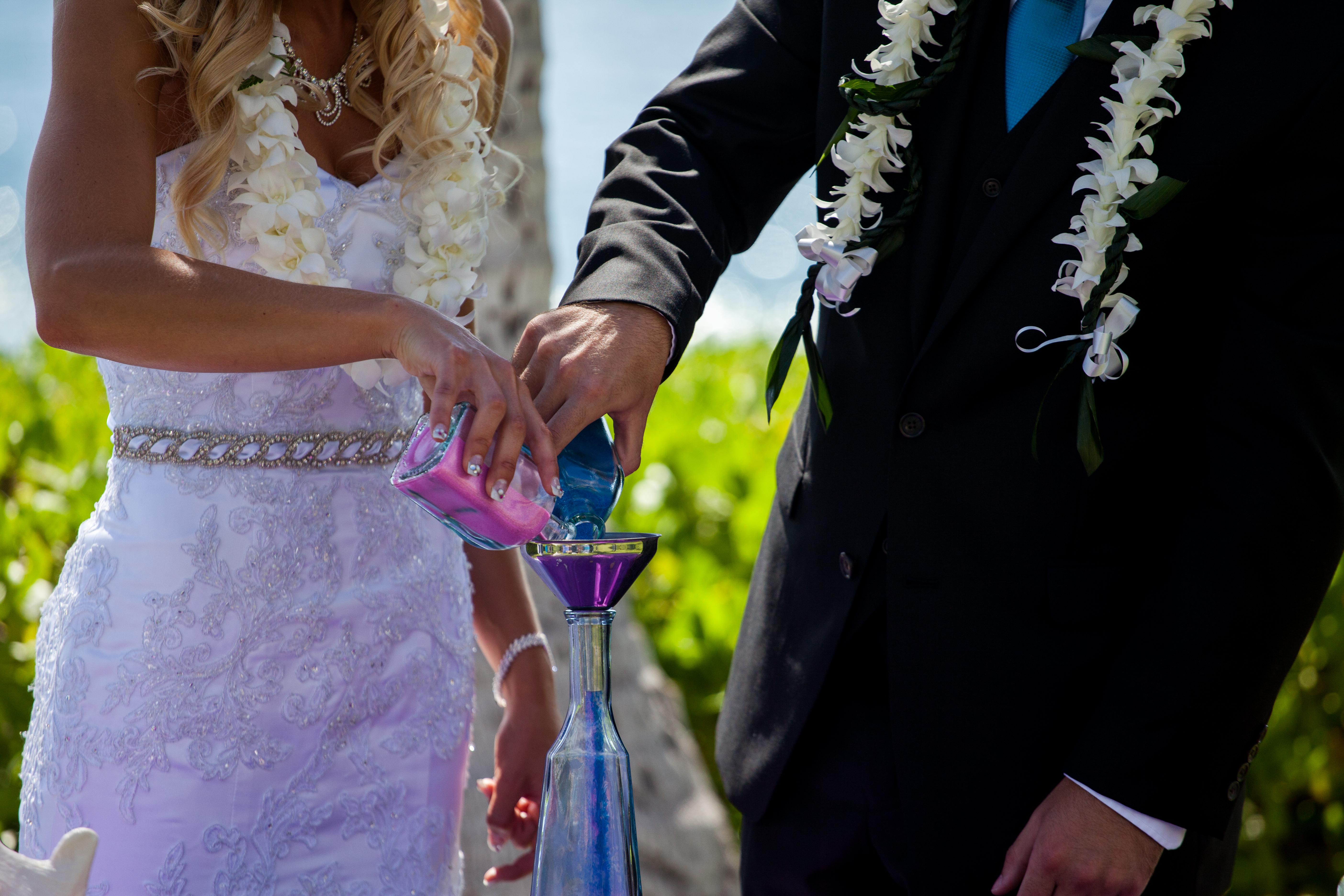 Wedding in Hawaii sand ceremony 5