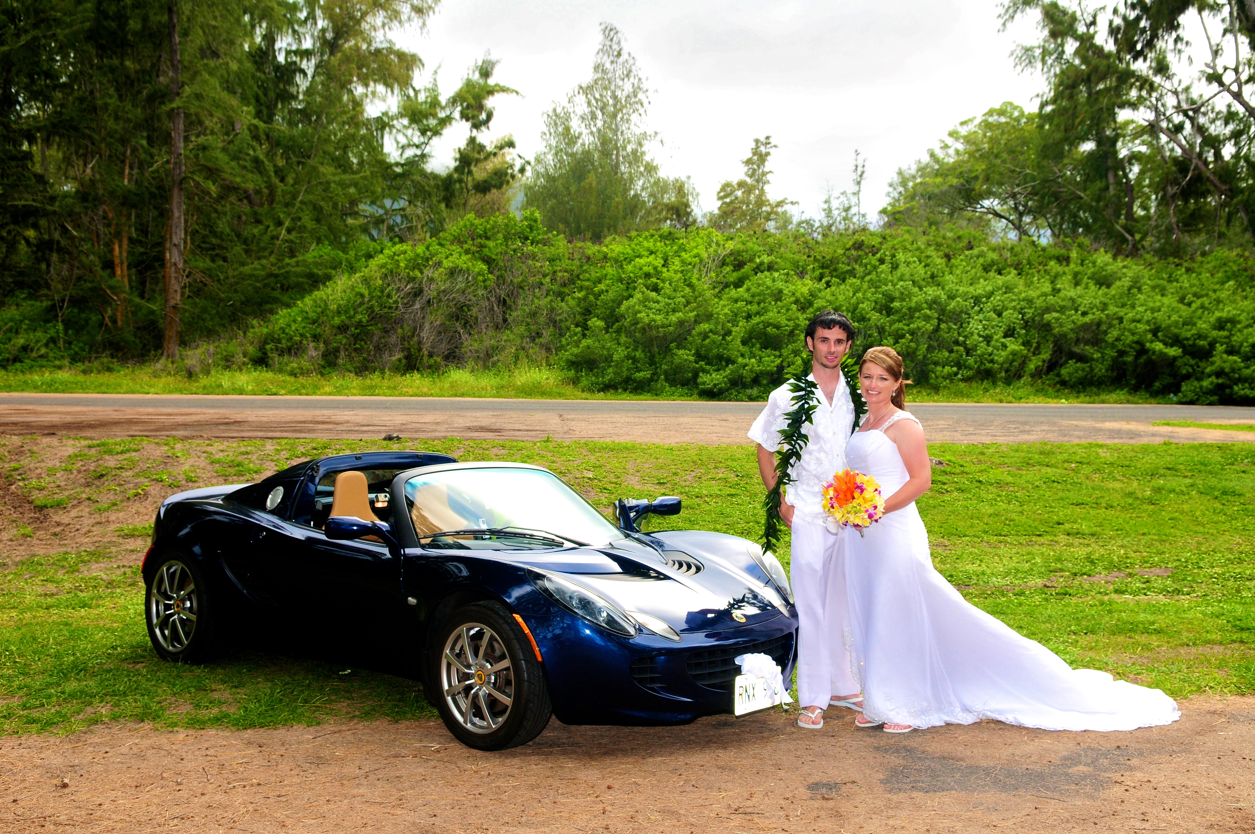 alohaislandweddings- Lotus car -22