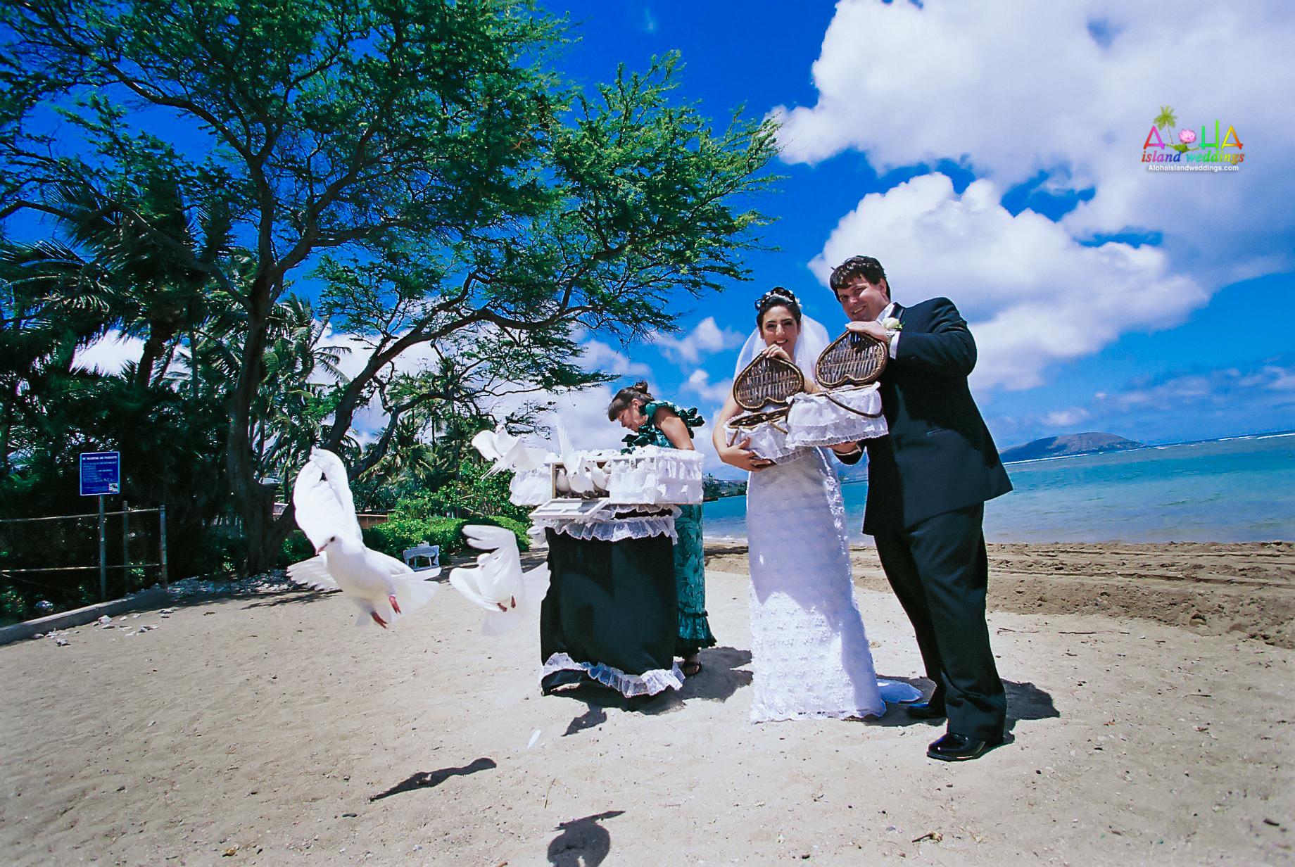 Dove Release wedding ceremony in Hawaii-4
