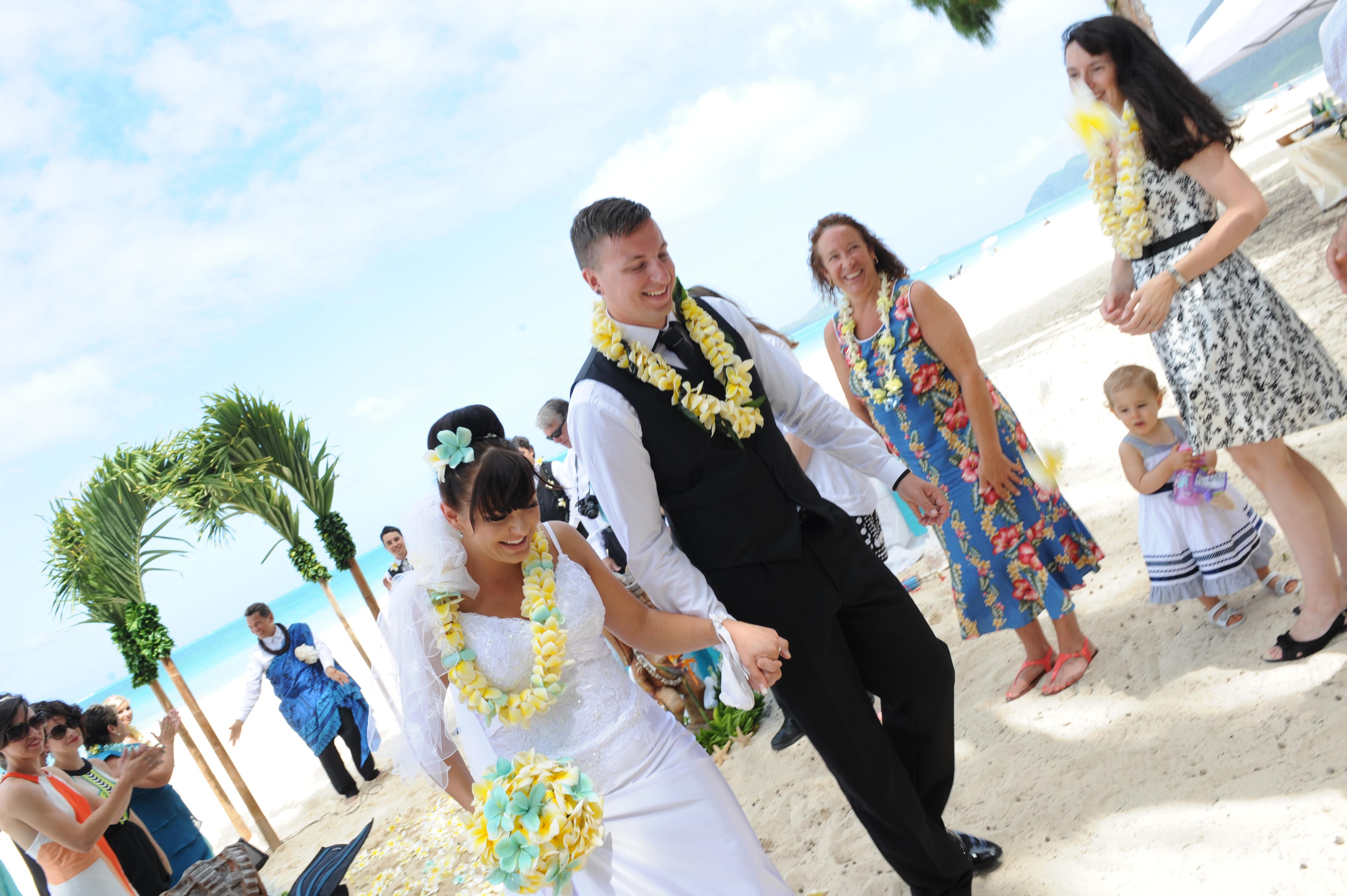 Alohaislandweddings.com- Hawaiian wedding in hawaii-133