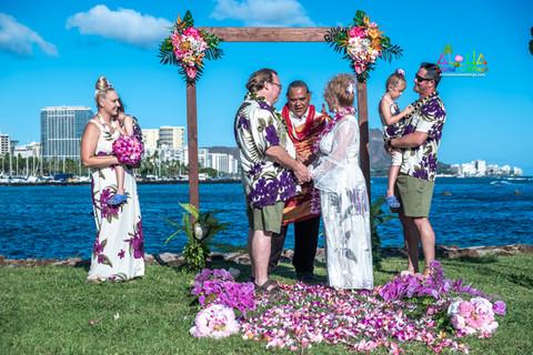 Vowrenewal-magicIsland-Hawaii-1-10.jpg
