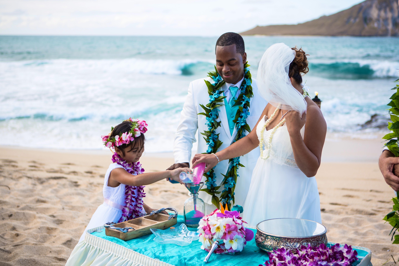 Alohaislandweddings.com- Ohana Oahu wedding-16