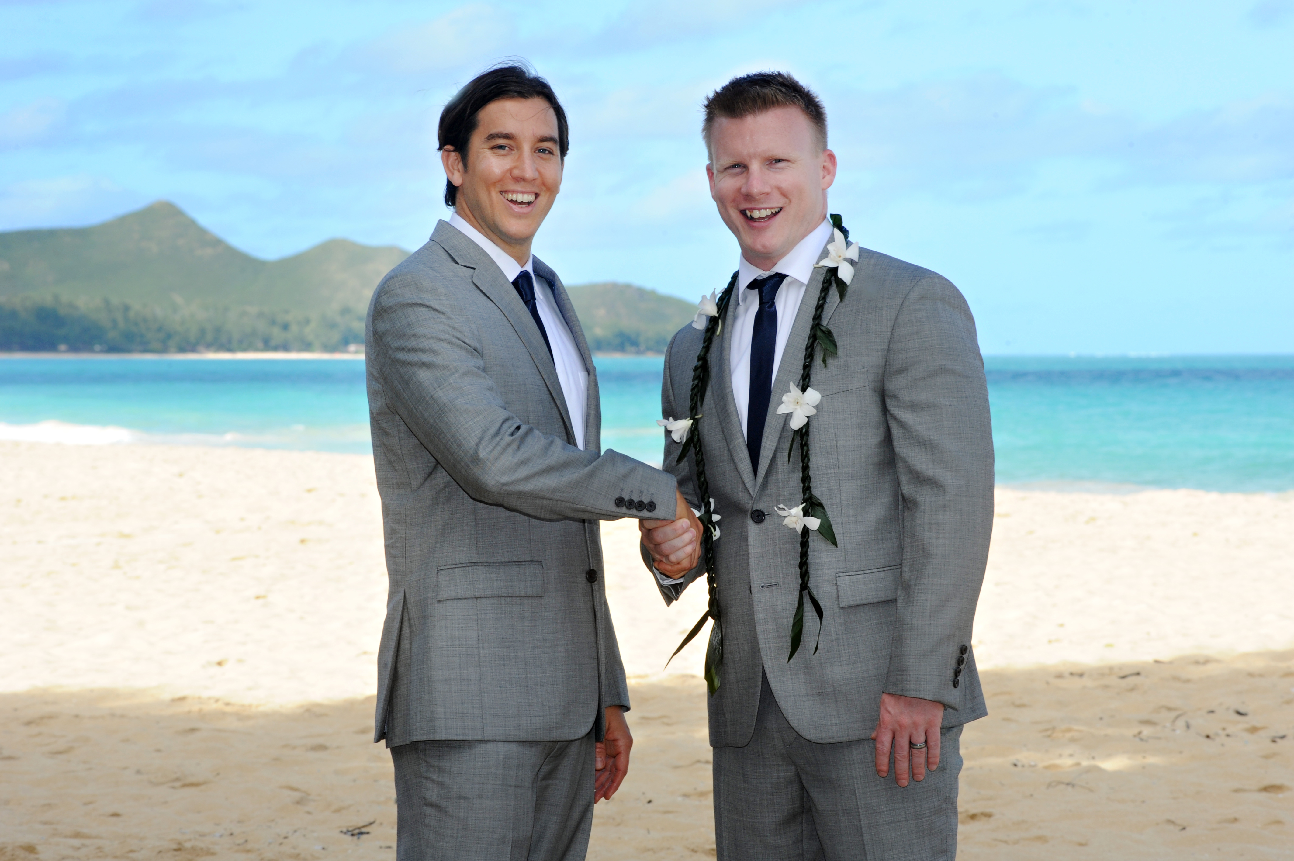 wedding In Hawaii -Bride -maids-6