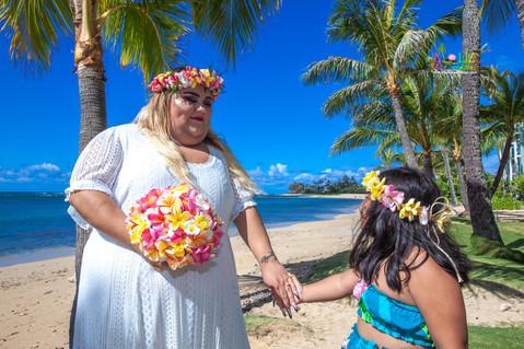 Kahala-beach-in-Hawaii-wedding-1-A-78.jpg